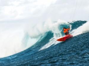 Mauritius, Le Morne, One eye. M. Kinkina sending big waves!